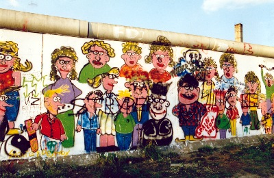 Graffiti an der Mauer in Berlin im September 1987
